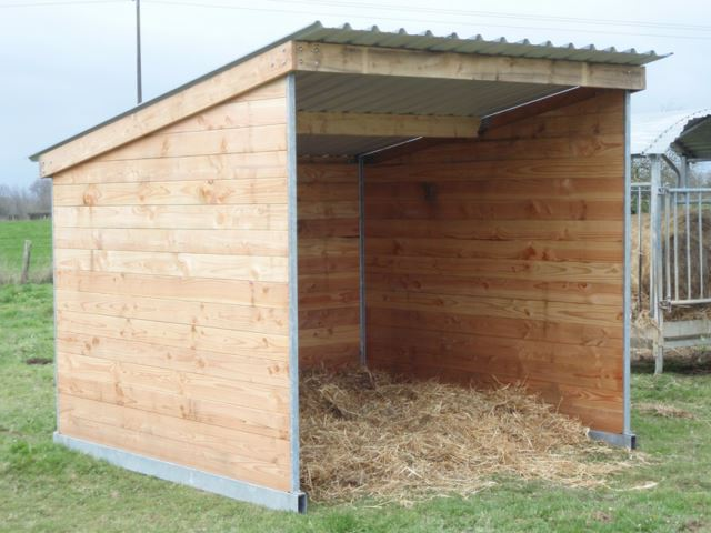 Abri de prairie mobile pour chevaux - Construire un abri poubelle ...
